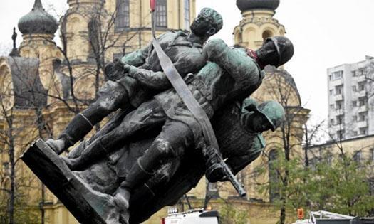 Снос памятника героям ВОВ